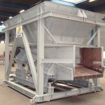 Bunker and vibratory feeder