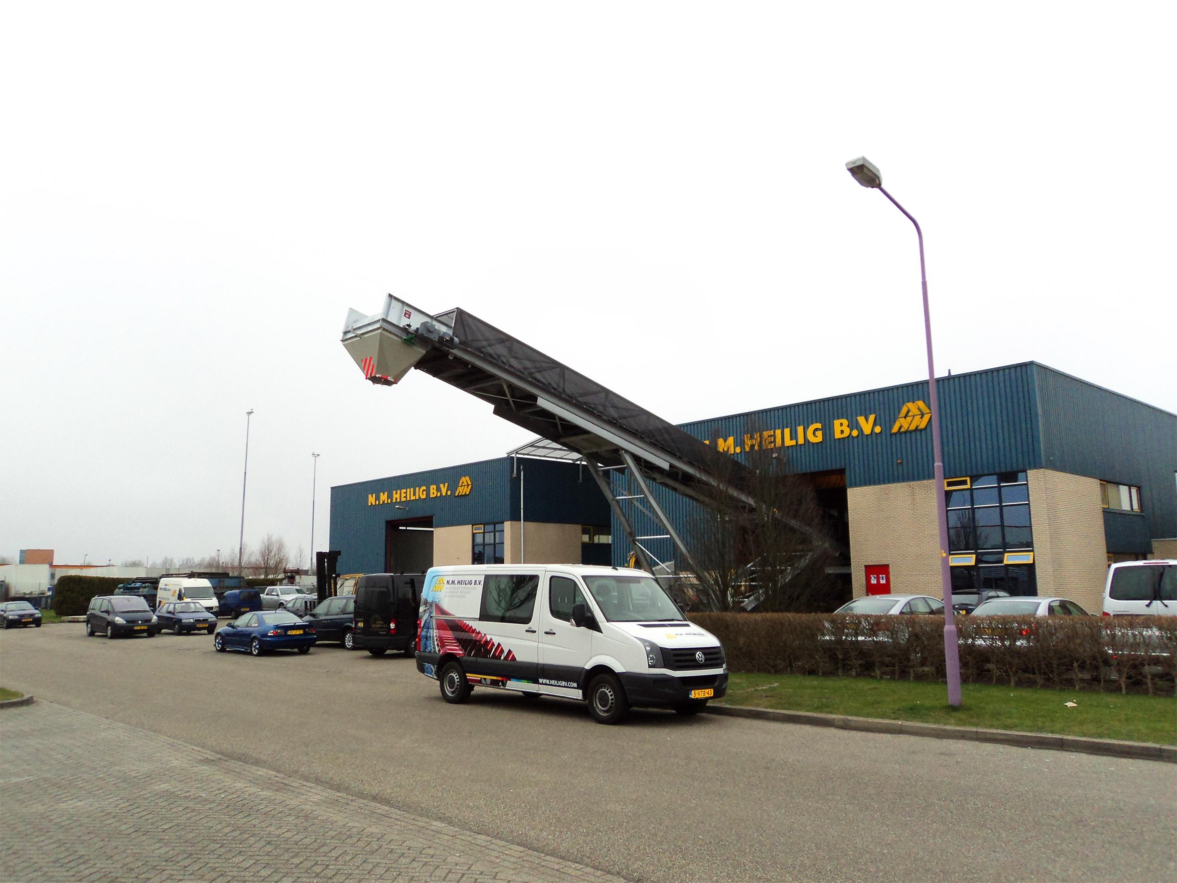 mobile loader manufacturer N.M Heilig