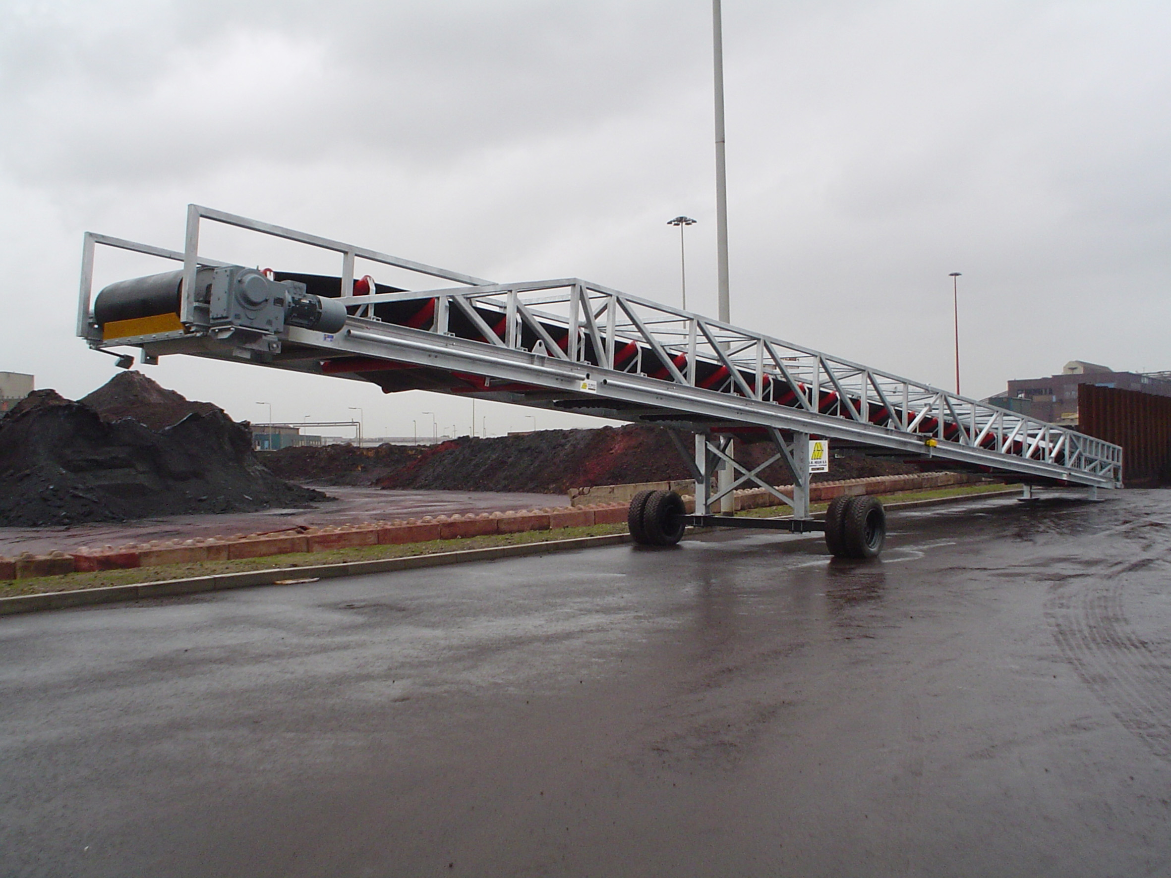 semi mobile belt conveyor