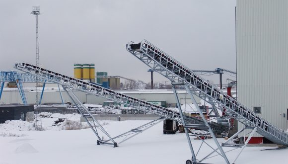 belt conveyor adjustable for stockpile