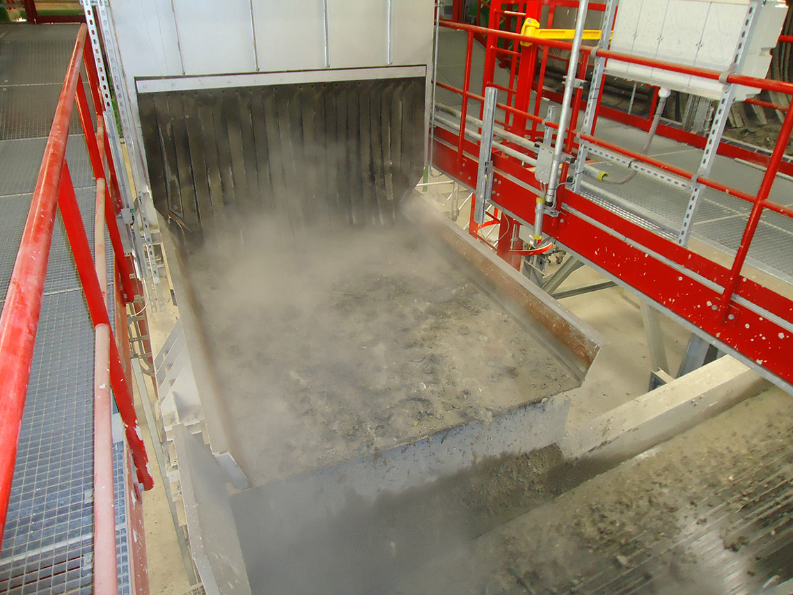 vibrating conveyor incinerator slag