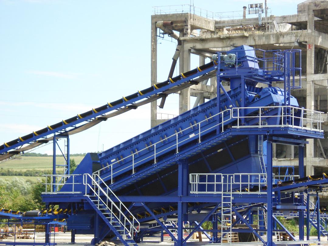 vibrating screen for coal grading