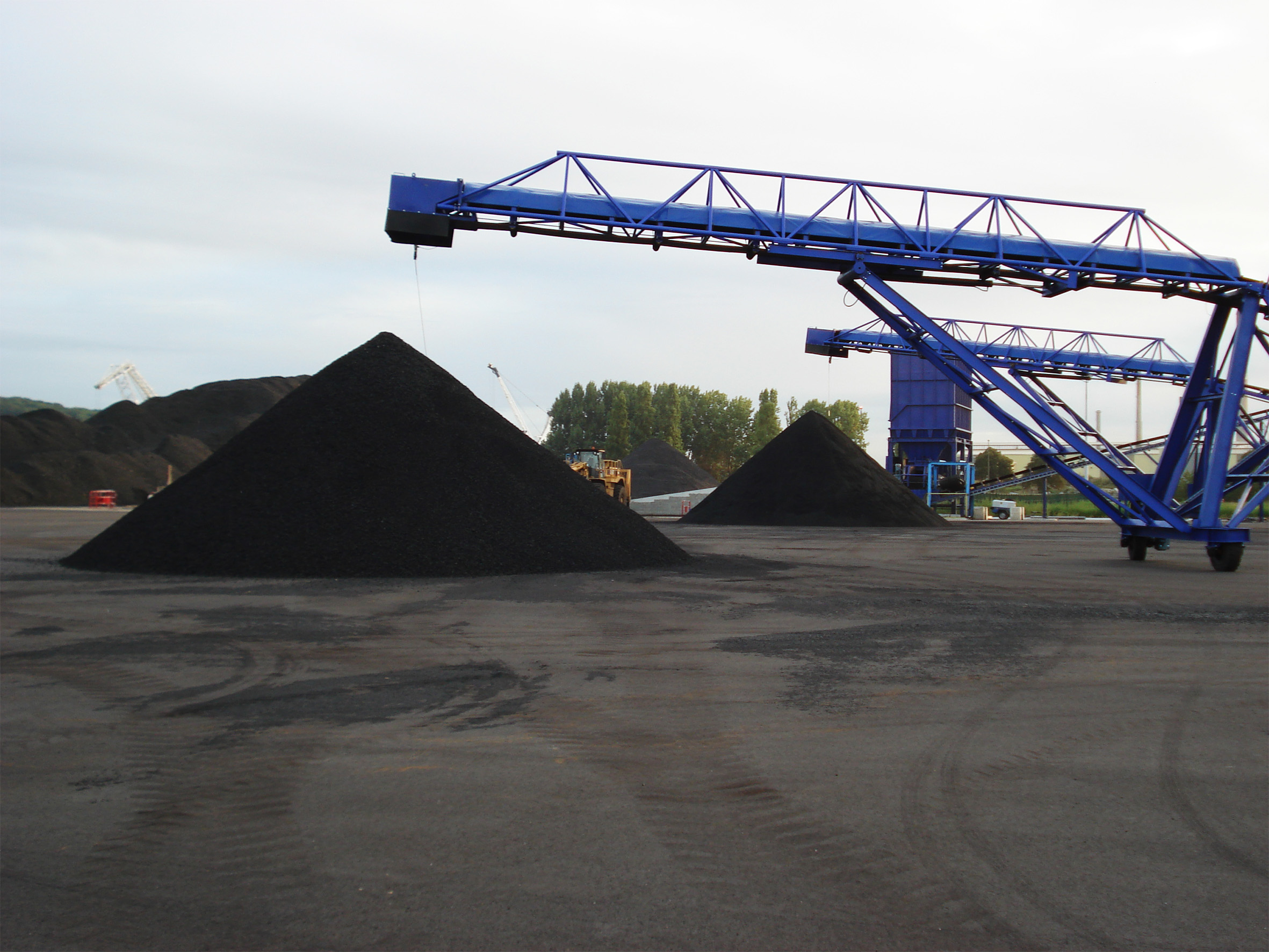 Coal crushing and screening plant