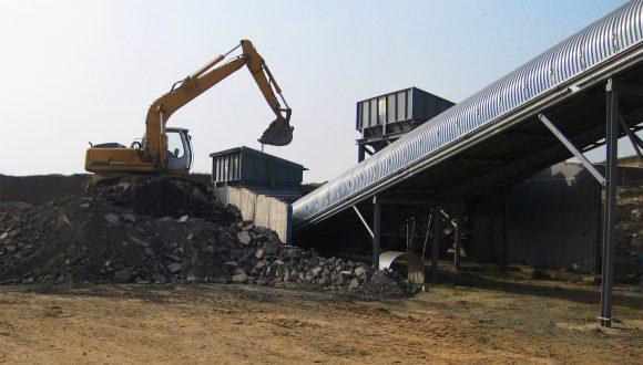 inert bulk material loader