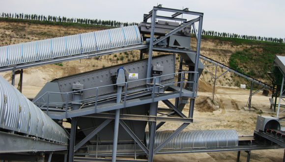 inert waste vibrating screen