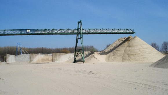 Transportband voor transport van zand en grind