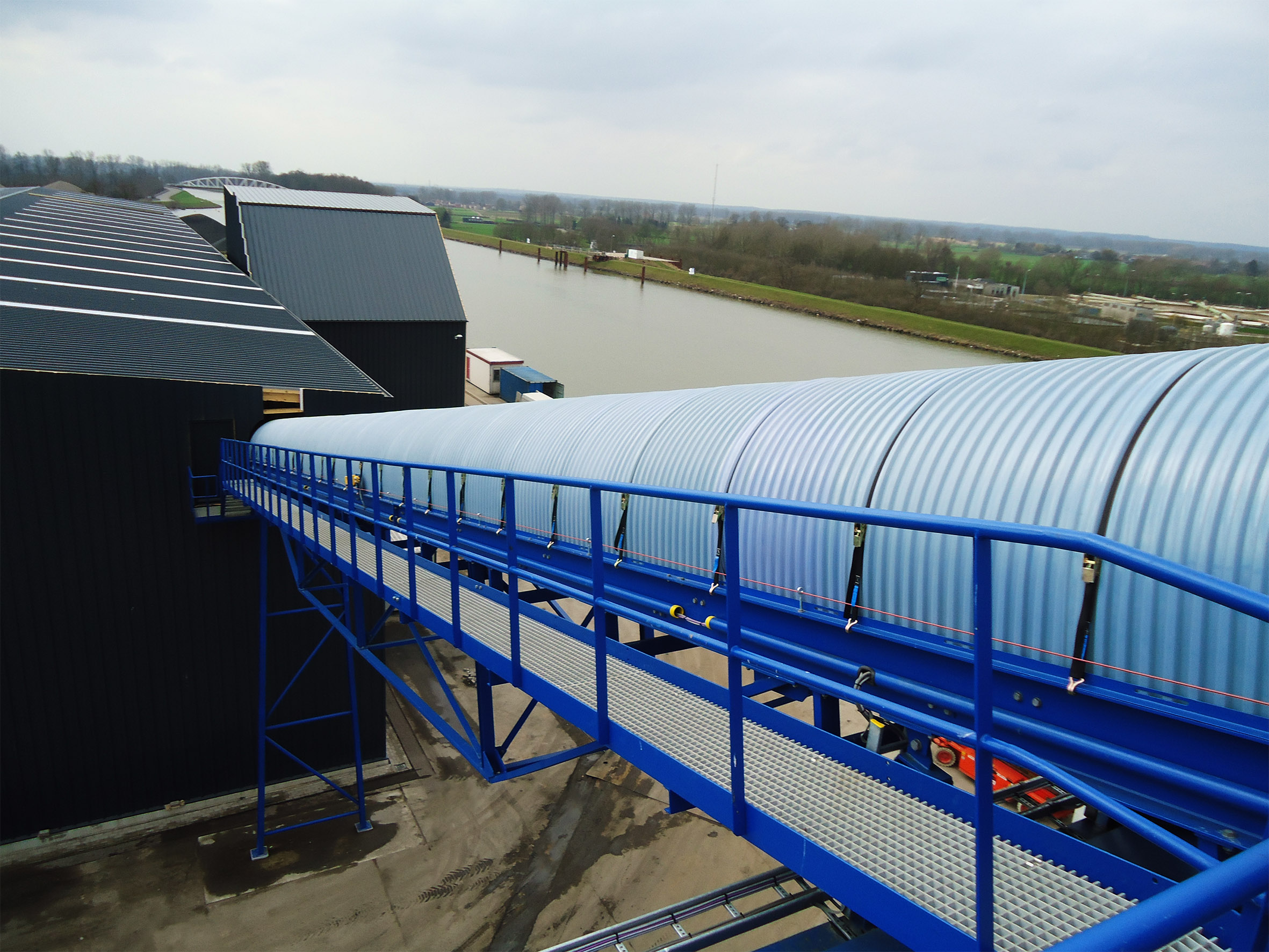 Belt Conveyors For Waste Management And Bulk Material