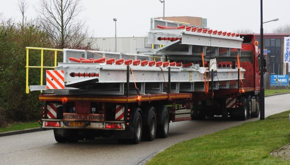 conveyor transport