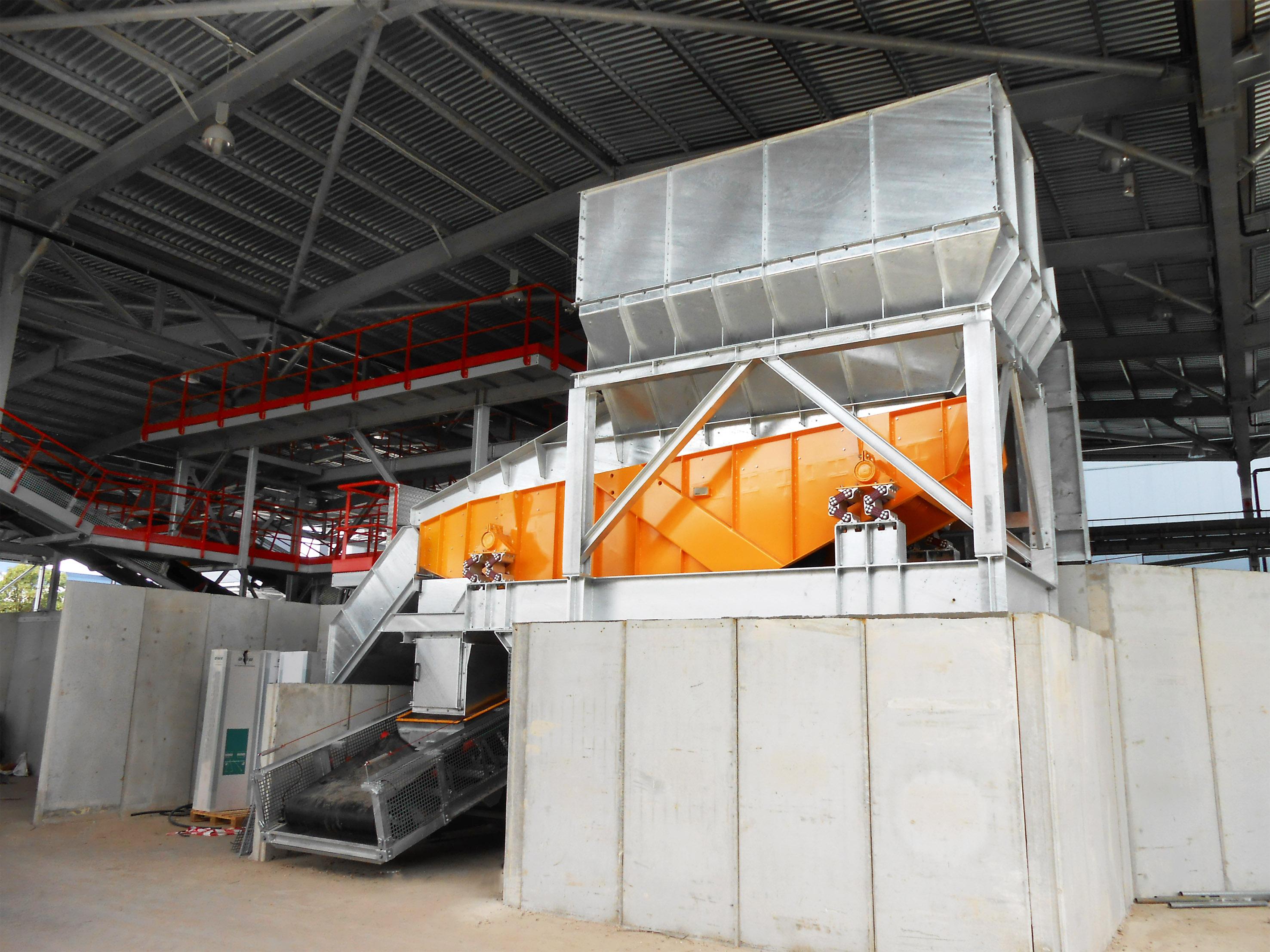 horizontal screen for bulk materials