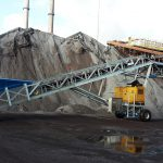 Mobile belt conveyor loader