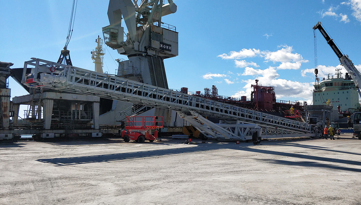 stacker conveyors installation