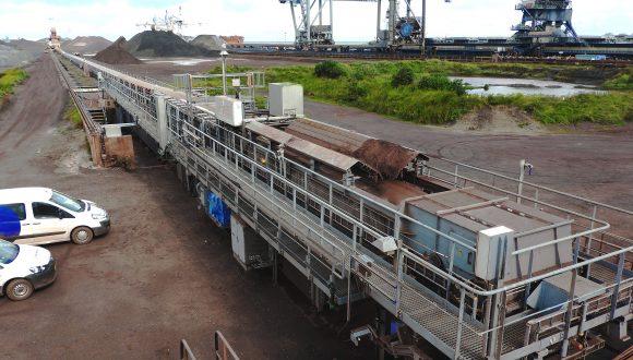 long conveyor storage bulk material